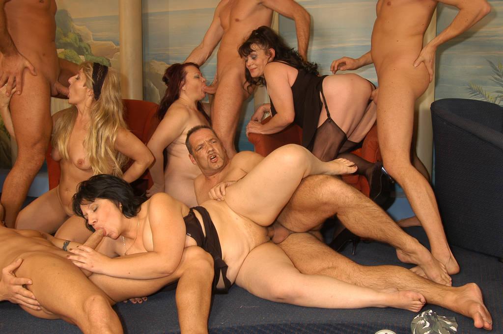 порно никулина онлайн групповое